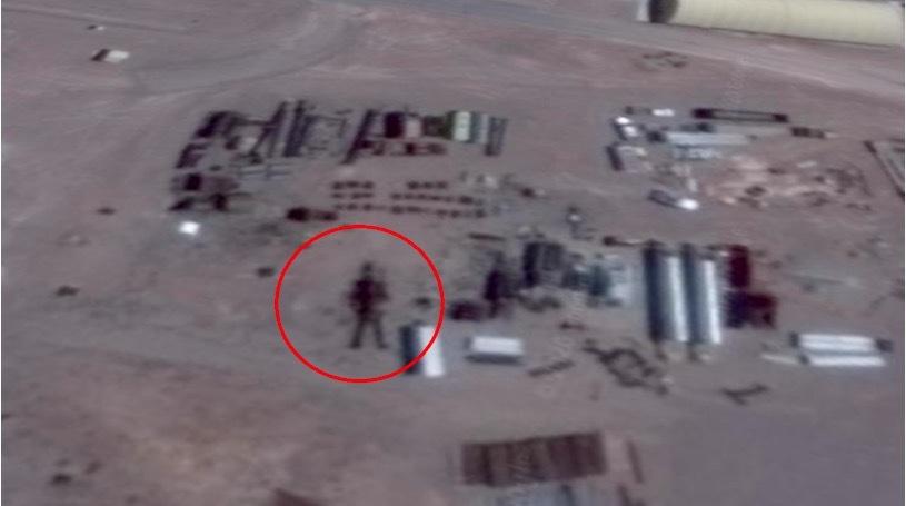 Công bố ảnh bằng chứng người máy ngoài trái đất tại Vùng 51
