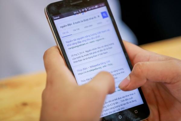 Quản học sinh dùng điện thoại: Tùy tình huống, đều có cách xử lý