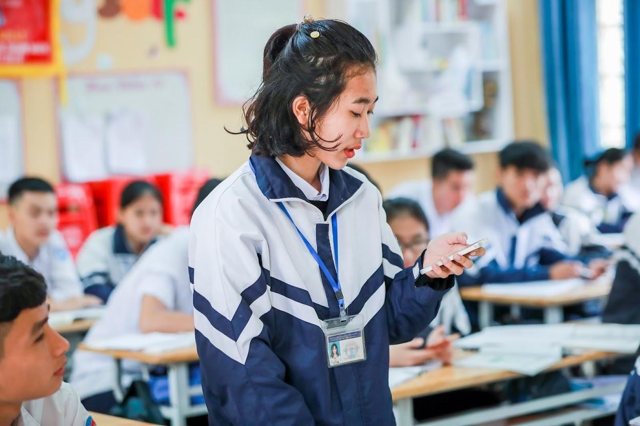 Hiệu trưởng ở Lào Cai: 'Cho học sinh dùng smartphone, chưa thấy em nào hư'