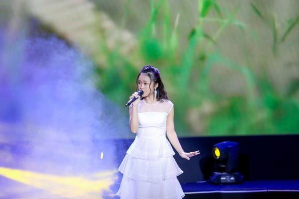 Phạm Linh Phương lọt vào bán kết 'Giọng hát hay Hà Nội'