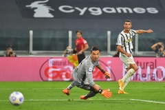 Ronaldo chói sáng, Pirlo và Juventus khởi đầu như mơ