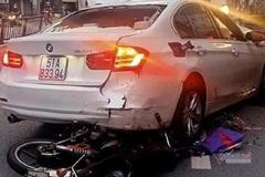 Hiện trường vụ container tông ô tô BMW, đè nát 2 xe máy ở Sài Gòn