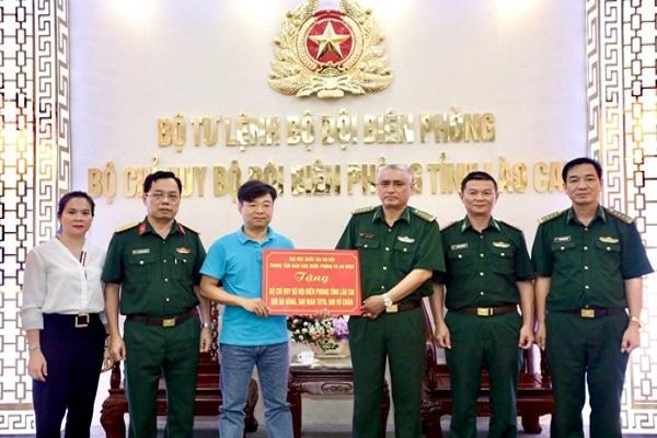Chương trình 'Nghĩa tình biên cương' đến với hộ nghèo Lào Cai
