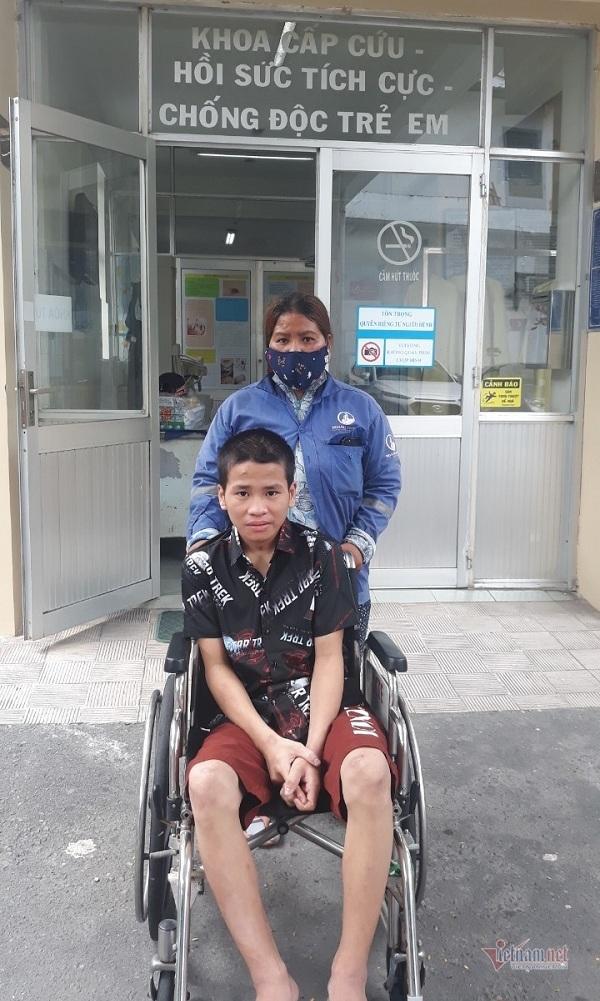 Cậu bé bị uốn ván đã được xuất viện, xin ngừng nhận ủng hộ