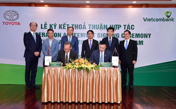 Vietcombank và Toyota Việt Nam ký thỏa thuận hợp tác