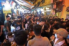 Hà Nội lo ngại khi người dân chủ quan không đeo khẩu trang