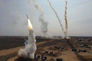 Xem tên lửa phòng không Nga ồ ạt khai hỏa