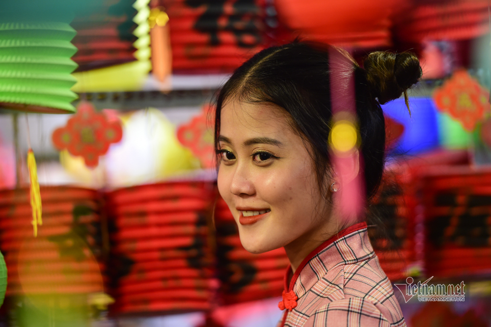 Nghìn người vui chơi trung thu ở phố lồng đèn Sài Gòn