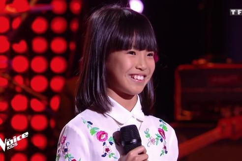 Cô bé 8 tuổi gốc Việt hát 'Bonjour Vietnam' trên sóng truyền hình Pháp