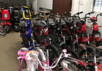 Smuggled electric bicycles, bicycle components dominate market