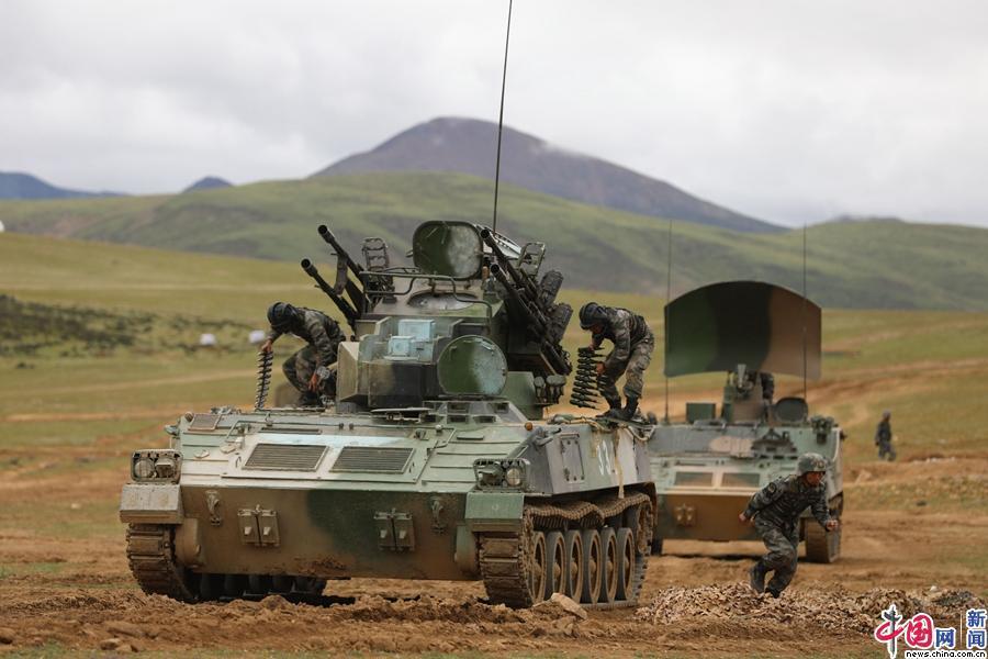 Hình ảnh Trung Quốc tập trận bắn đạn thật tại Tây Tạng