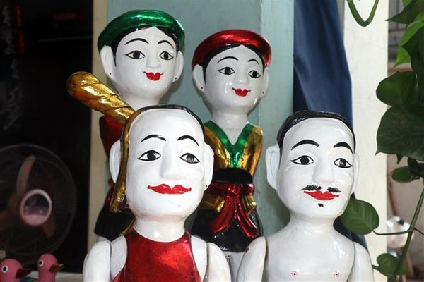 Dong Ngu village keeps water puppetry alive