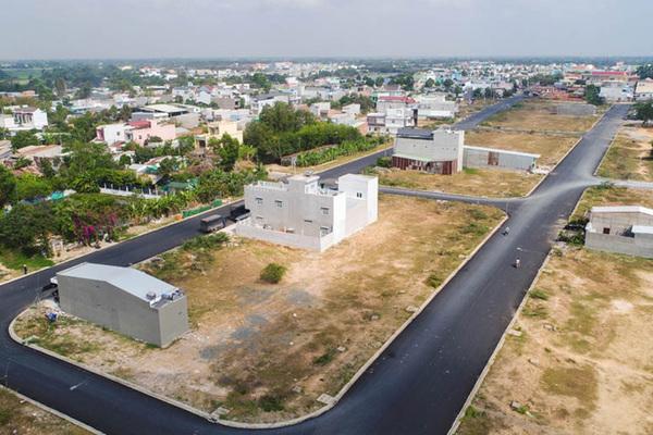 Sai phạm đấu giá 313 lô đất ở Long An: Địa ốc Cát Tường có liên quan?