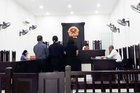 Người đàn ông ngoại quốc bị 'bắt cóc' ở sân bay, ép trả nợ