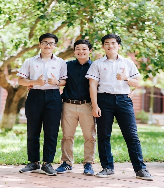 Cặp sinh đôi xứ Huế với 'cú đúp' đặc biệt ở kì thi học sinh giỏi quốc gia