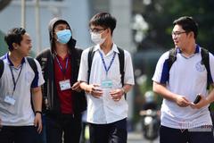 Hiệu trưởng cảnh báo tân sinh viên những cạm bẫy chốn 'phồn hoa đô hội'