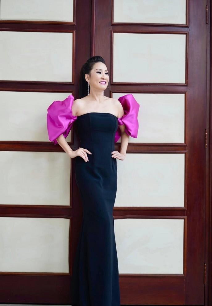 Hình ảnh ngọt ngào của vợ chồng Khánh Thi - Phan Hiển