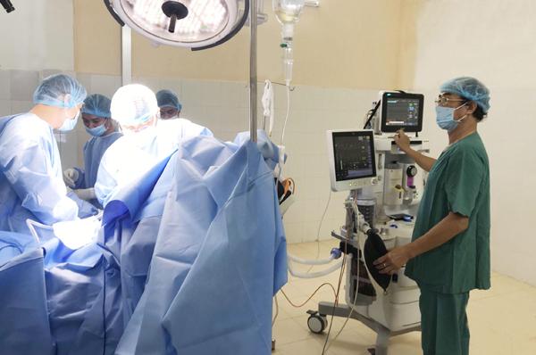 Phương pháp mới trong phẫu thuật thay khớp vai