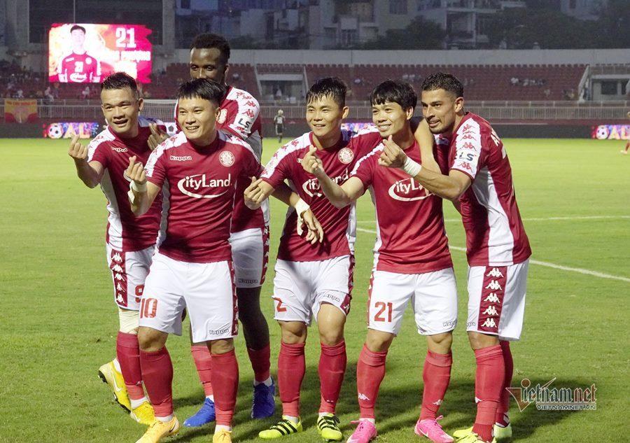 Vòng 12 V-League: Sài Gòn đã biết thua, Công Phượng toả sáng