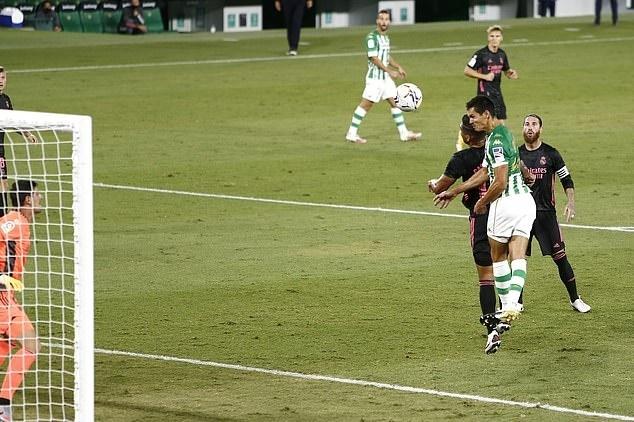 Ramos ghi tuyệt phẩm panenka, Real thắng siêu kịch tính