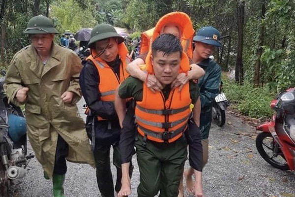 Mưa lớn ở Phú Thọ khiến hai người thiệt mạng, bảy người bị thương