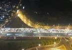 12 ô tô đâm liên hoàn trên cầu Nhật Tân gây tắc nghiêm trọng