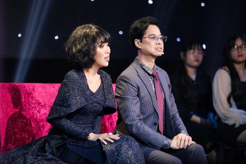 Ngọc Sơn hát, nhiệt tình tư vấn Á hậu tìm người yêu