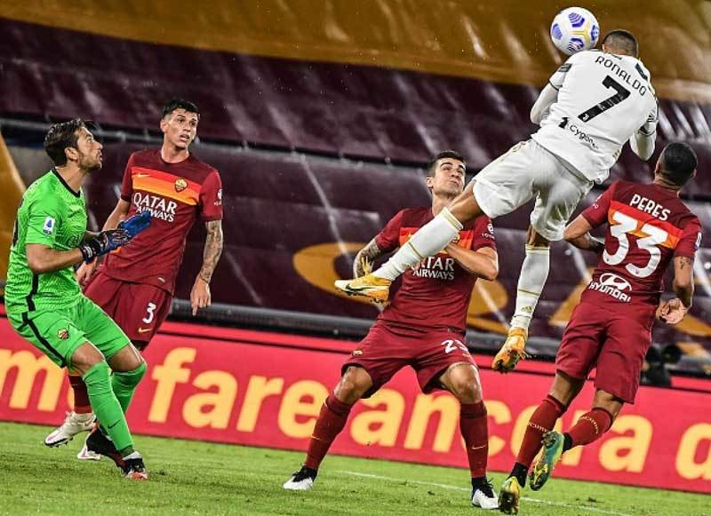 Ronaldo nói điều 'khác thường' ở Juventus sau cú đúp giải cứu