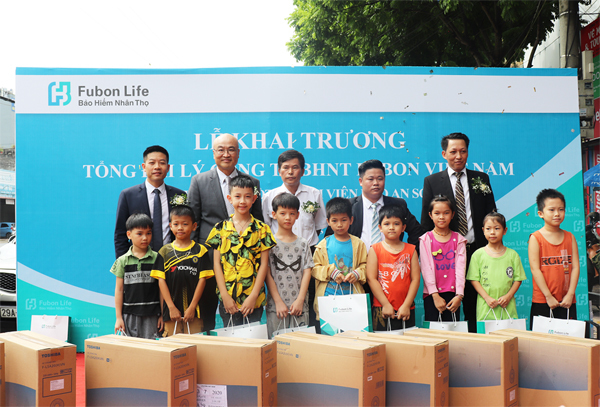 Fubon Life Việt Nam khai trương Tổng Đại lý Sóc Sơn