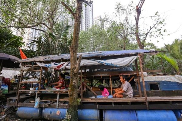 Cô bé 13 năm sống trên ghe ở Sài Gòn
