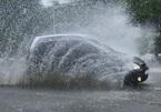 """Những nguyên tắc """"sống còn"""" mà các tài xế nên biết khi lái xe dưới trời mưa"""