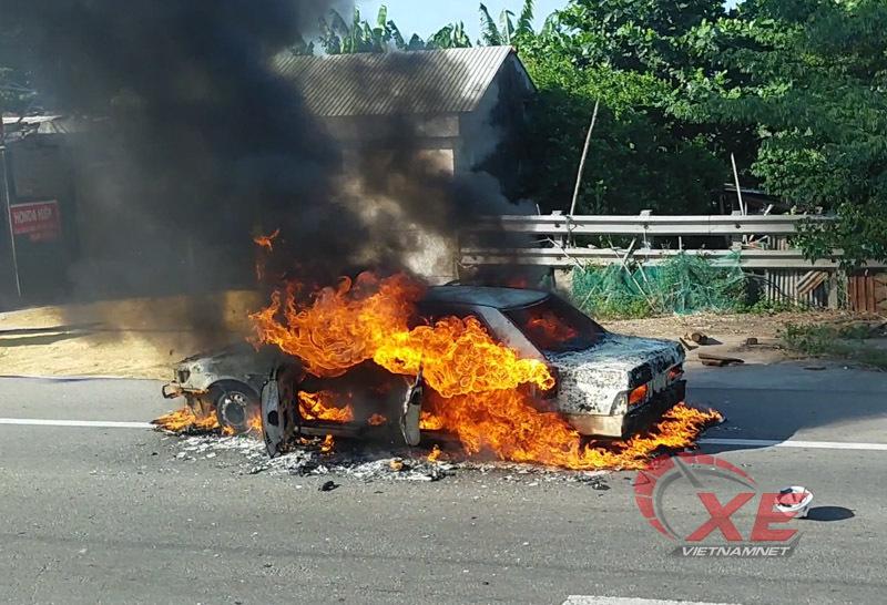 Cần lưu ý bảo dưỡng bộ phận nào trên ô tô để tránh cháy nổ?