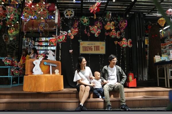 Hoa hậu Tô Diệp Hà tặng quà Trung thu cho trẻ em cơ nhỡ