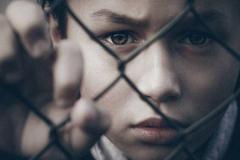 Nhận diện những hành vi của nhiều bố mẹ đang khiến con cái khổ sở mà không biết