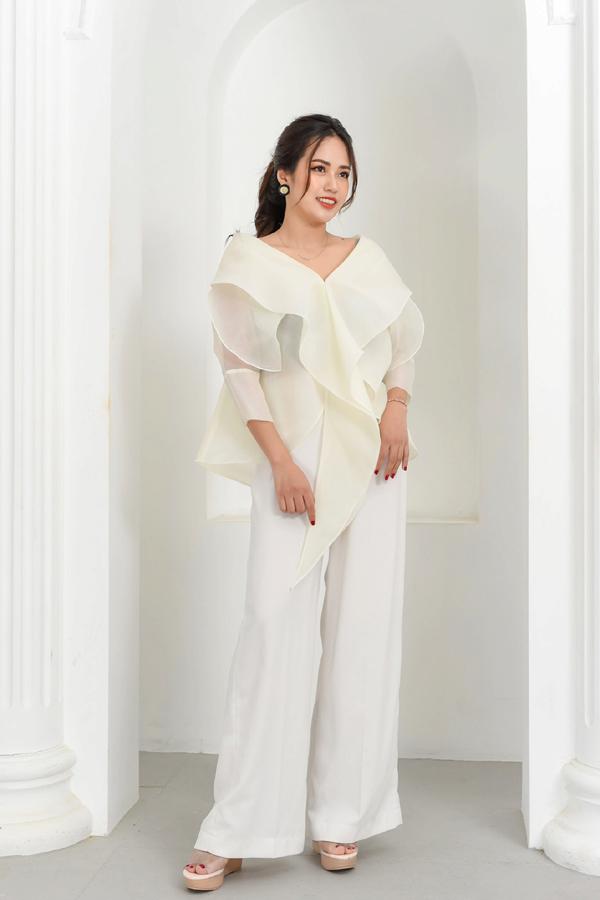 Cách thời trang Rosara 'vượt bão' Covid-19