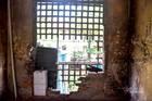 Loạt chung cư xập xệ ở Hà Nội 'xếp hàng' chờ kiểm định