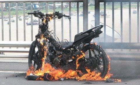Những điểm mấu chốt bảo vệ xe máy không xảy ra cháy nổ