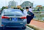 Làm rõ đoàn xe biển xanh dừng đỗ trên cầu Nhật Lệ 1 để chụp ảnh
