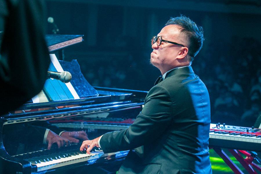Soobin Hoàng Sơn biểu diễn trong đêm nhạc 'Nam Jazz Night'