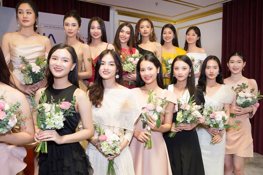 Ngắm nhan sắc 30 thí sinh vào bán kết Hoa hậu Việt Nam 2020