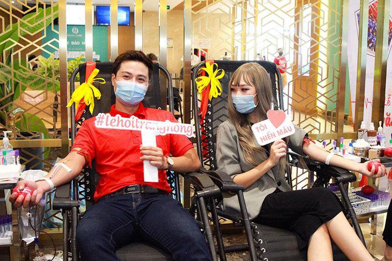 Thanh Sơn đi hiến máu tình nguyện dịp Trung thu