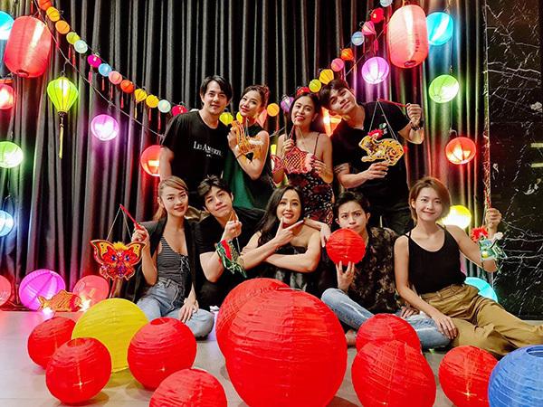 Noo Phước Thịnh đón trung thu ngọt ngào bên Mai Phương Thuý