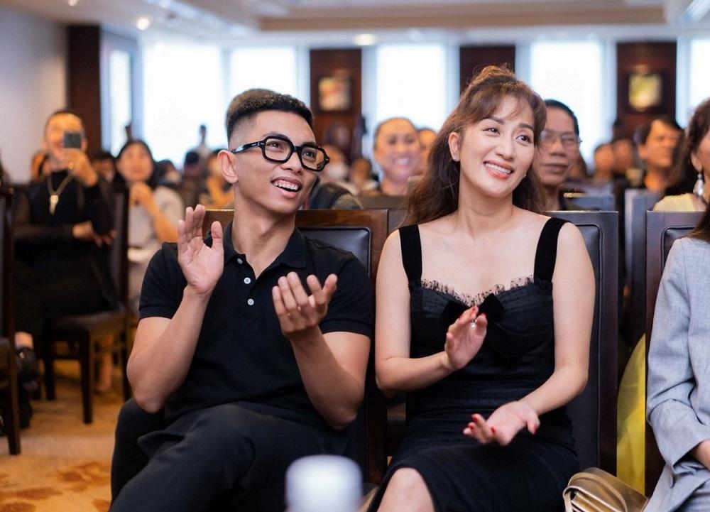 MC Đại Nghĩa thích thú với cụ bà U90 đi thi khiêu vũ
