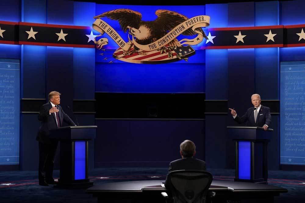 Ông Trump và đối thủ Biden 'so găng' từ xa