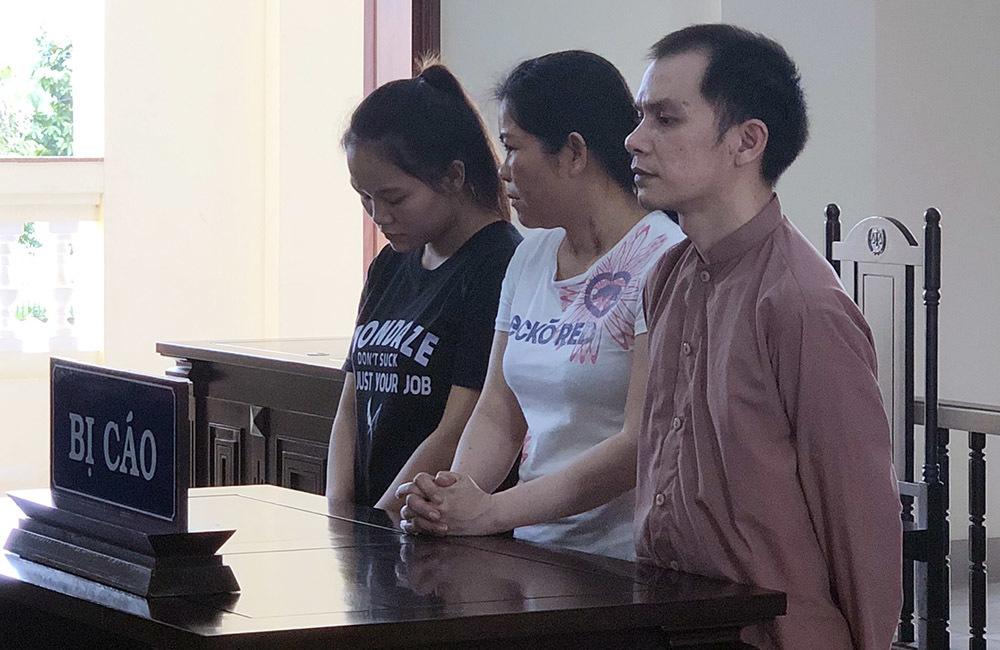 Chị em sinh đôi bị mẹ con 'nữ quái' lừa bán sang Trung Quốc