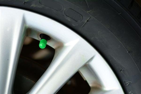 Có nên bơm khí ni-tơ vào lốp xe hay không?