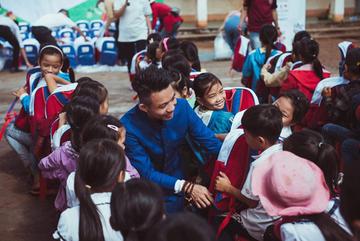 Nhựa Long Thành mang 'Trung thu yêu thương' đến các em nhỏ Đắk Lắk