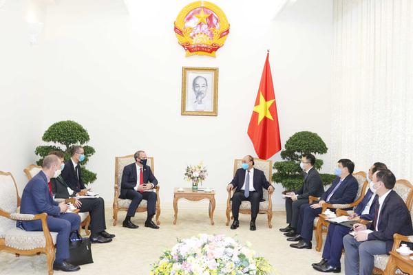 Thủ tướng Boris Johnson mời Thủ tướng Nguyễn Xuân Phúc thăm Anh