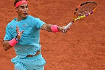 """Roland Garros: Rafael Nadal """"tốc hành"""" vào vòng 3"""