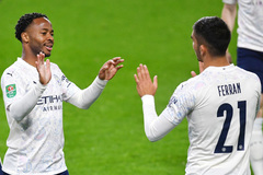 """Sterling lập cú đúp, Man City thắng """"3 sao"""" ở cúp liên đoàn"""
